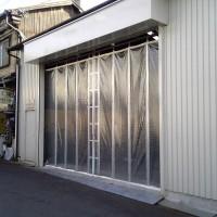 工場の出入り口カーテン