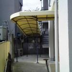 雨除けの通路テント3