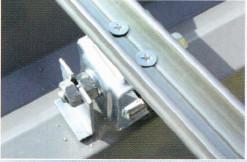 折半屋根断熱工法 ルーフシェード シート固定バー