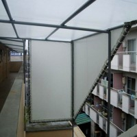 雨除けテント階段部分
