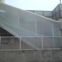外部階段通路 雨除けテント