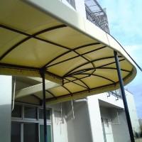 雨除けの通路テント2